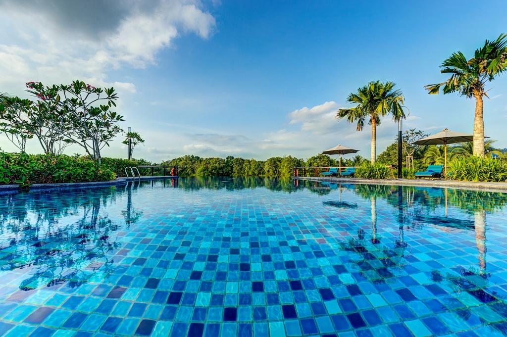 facilities-infinity-pool